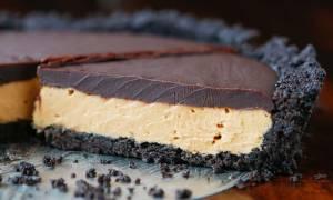 Τάρτα σοκολάτα με φυστικοβούτυρο χωρίς ψήσιμο
