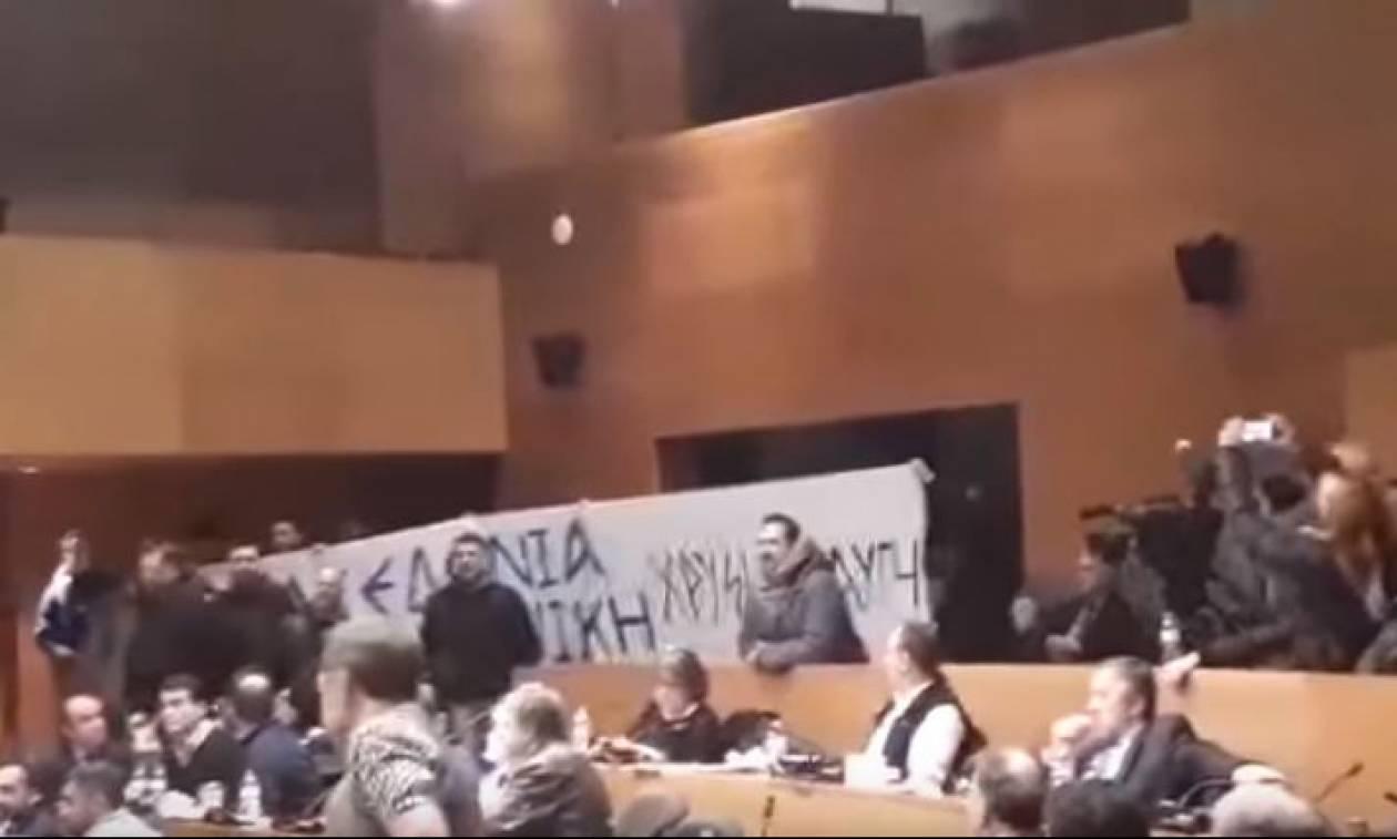 ΠΑΣΟΚ κατά Χρυσής Αυγής: Τραμπουκική η εισβολή στο ΔΣ Θεσσαλονίκης