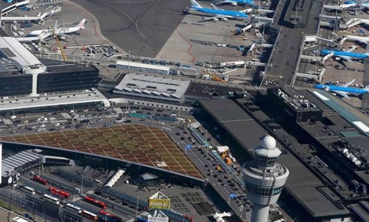 Ακραία καιρικά φαινόμενα στην Ολλανδία: Ακυρώθηκαν πτήσεις στο αεροδρόμιο του Άμστερνταμ