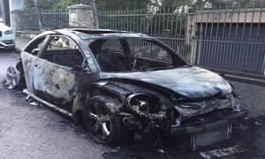 Έκρηξη στην Κηφισιά: Ανατίναξαν το αυτοκίνητο της κόρης γνωστού επιχειρηματία