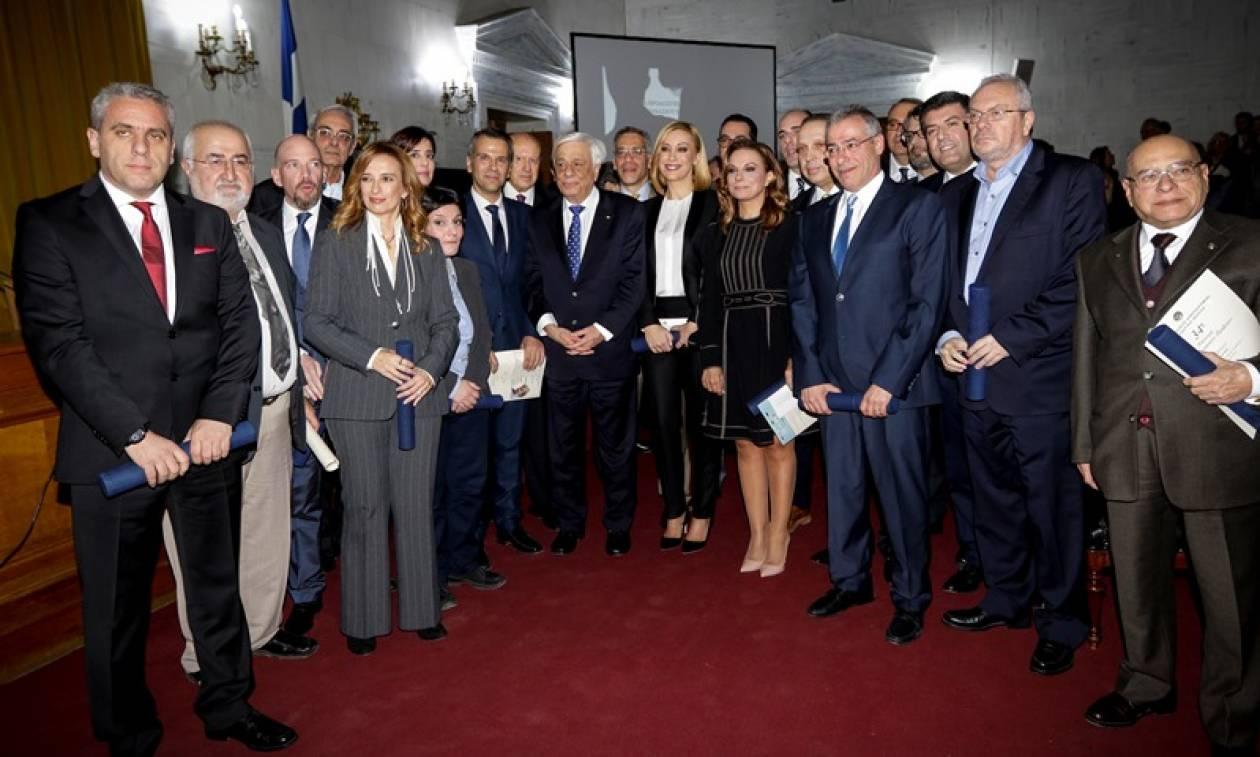 Παρουσία Παυλόπουλου η απονομή των δημοσιογραφικών βραβείων του Ιδρύματος Μπότση
