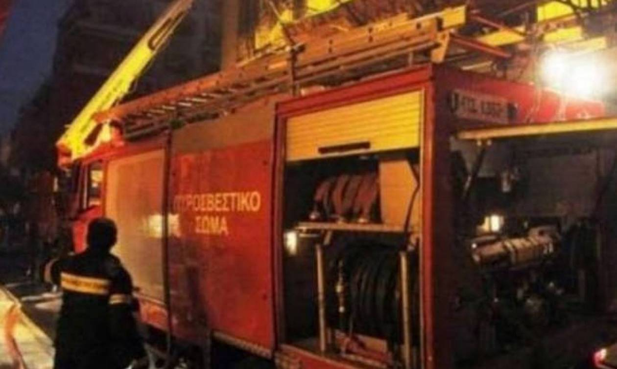 Φωτιά ΤΩΡΑ: Στις φλόγες διαμέρισμα στην περιοχή των Ελληνορώσων