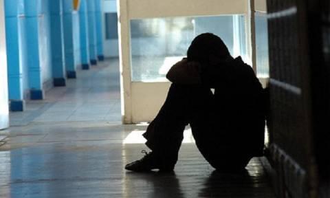 Κραυγή αγωνίας από μητέρα στην Κοζάνη: «Θα μου σκοτώσουν το παιδί και μετά θα λάβουν τα μέτρα τους;»