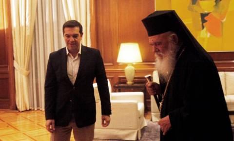 Σκοπιανό: «Αιφνιδιαστική» συνάντηση Τσίπρα-Ιερώνυμου στην Αρχιεπισκοπή