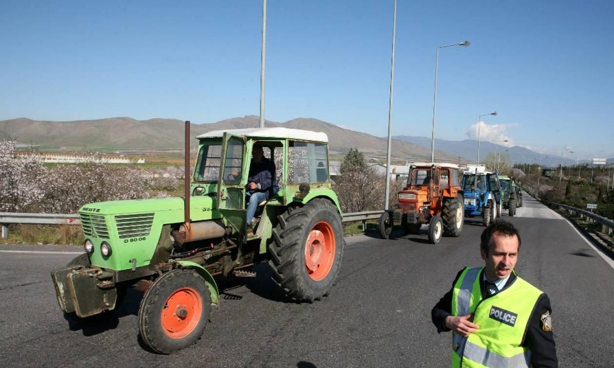 Ζεσταίνουν τα τρακτέρ οι αγρότες: Την Τετάρτη αποφασίζουν για κινητοποιήσεις