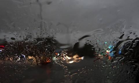 Καιρός: Βροχές, καταιγίδες και πτώση της θερμοκρασίας το Σαββατοκύριακο
