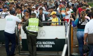Πάνω από μισό εκατομμύριο Βενεζουελάνοι έχουν καταφύγει στην Κολομβία