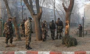 Επίθεση ενόπλων σε μεγάλο ξενοδοχείο της Καμπούλ