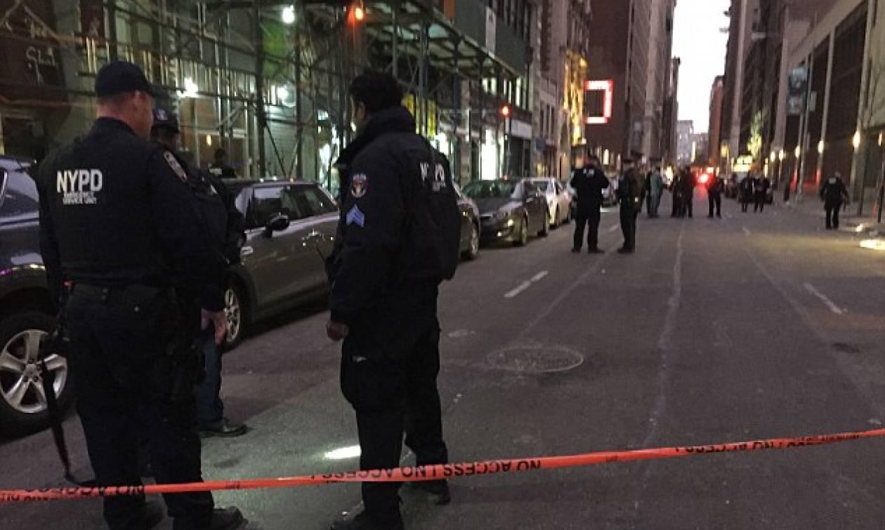 Συναγερμός στη Νέα Υόρκη: Πυροβολισμοί με τρεις τραυματίες στο κέντρο του Μανχάταν
