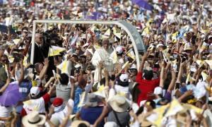 Πάπας Φραγκίσκος: Η πολιτική νοσεί σε μεγάλο βαθμό στη Λατινική Αμερική
