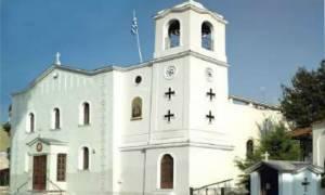 Νέα - Πάτρα: Ιερόσυλοι έγραψαν συνθήματα σε εκκλησία (pics)