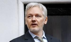 Σε απόγνωση ο Ισημερινός: Είναι «πρόβλημα» για εμάς ο Τζούλιαν Ασάνζ των Wikileaks