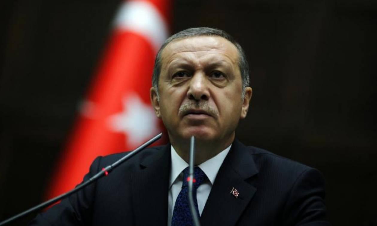 Χούντα Ερντογάν: Διέταξε τη σύλληψη 35 Τούρκων για αρνητικά σχόλια στο Twitter