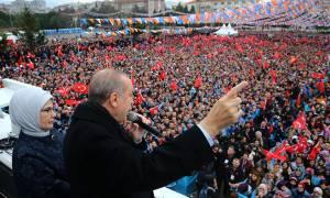 Ερντογάν: Δεν κάνουμε βήμα πίσω, η εισβολή στη Συρία έγινε με τη σύμφωνη γνώμη της Ρωσίας