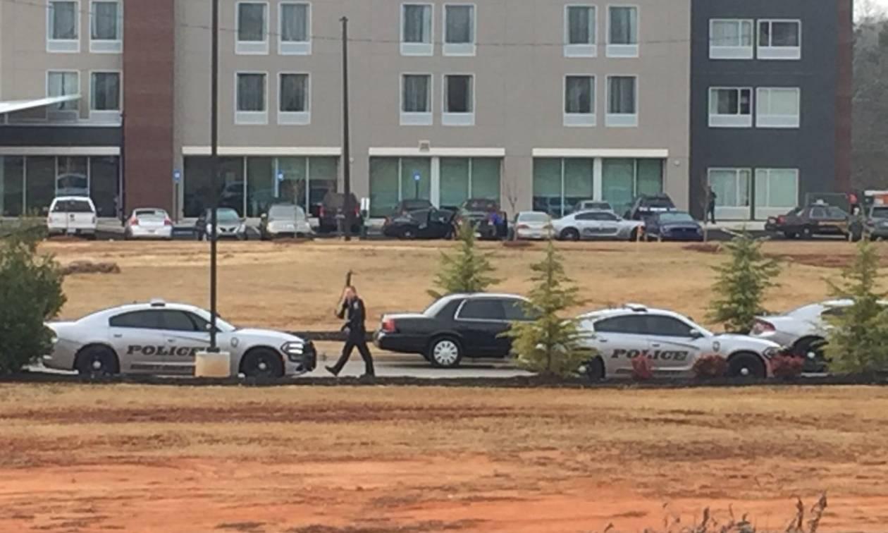 Συναγερμός στην Ατλάντα των ΗΠΑ: Εισβολή ενόπλου σε ξενοδοχείο (Vid)