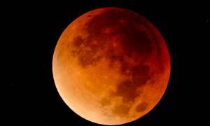 Ετοιμαστείτε! Έρχεται το μοναδικό «Σούπερ Μπλε Ματωμένο Φεγγάρι» μετά από 152 χρόνια