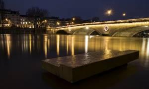 Γαλλία: Ανέβηκε επικίνδυνα η στάθμη του Σηκουάνα - Κλείνουν τμήμα του Λούβρου