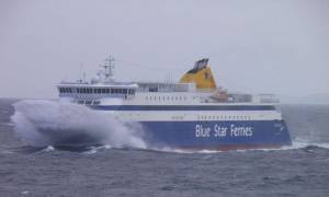 Δεμένα τα πλοία στα λιμάνια: Σε ισχύ το απαγορευτικό απόπλου - Προβλήματα στα δρομολόγια