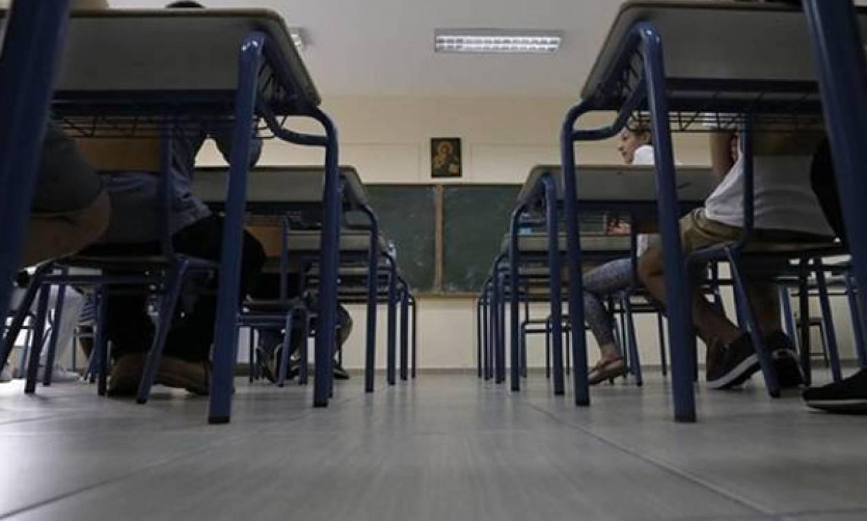 Γυμνάσια - Λύκεια: Aλλαγές - «βόμβα» με τις απουσίες