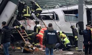 Τραγωδία στην Ιταλία: Εκτροχιάστηκε τρένο στο Μιλάνο - Τέσσερις νεκροί και δεκάδες τραυματίες (Pics)