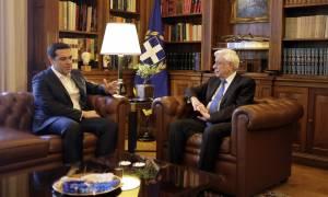 Σκοπιανό: Στον Παυλόπουλο σήμερα ο Τσίπρας - Αύριο ενημερώνει τους πολιτικούς αρχηγούς