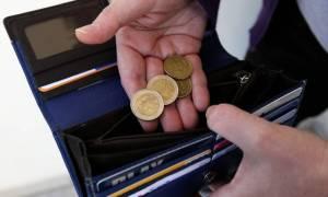 Σοκ: Έρχονται φόροι και σε εισοδήματα κάτω των 5.700 ευρώ