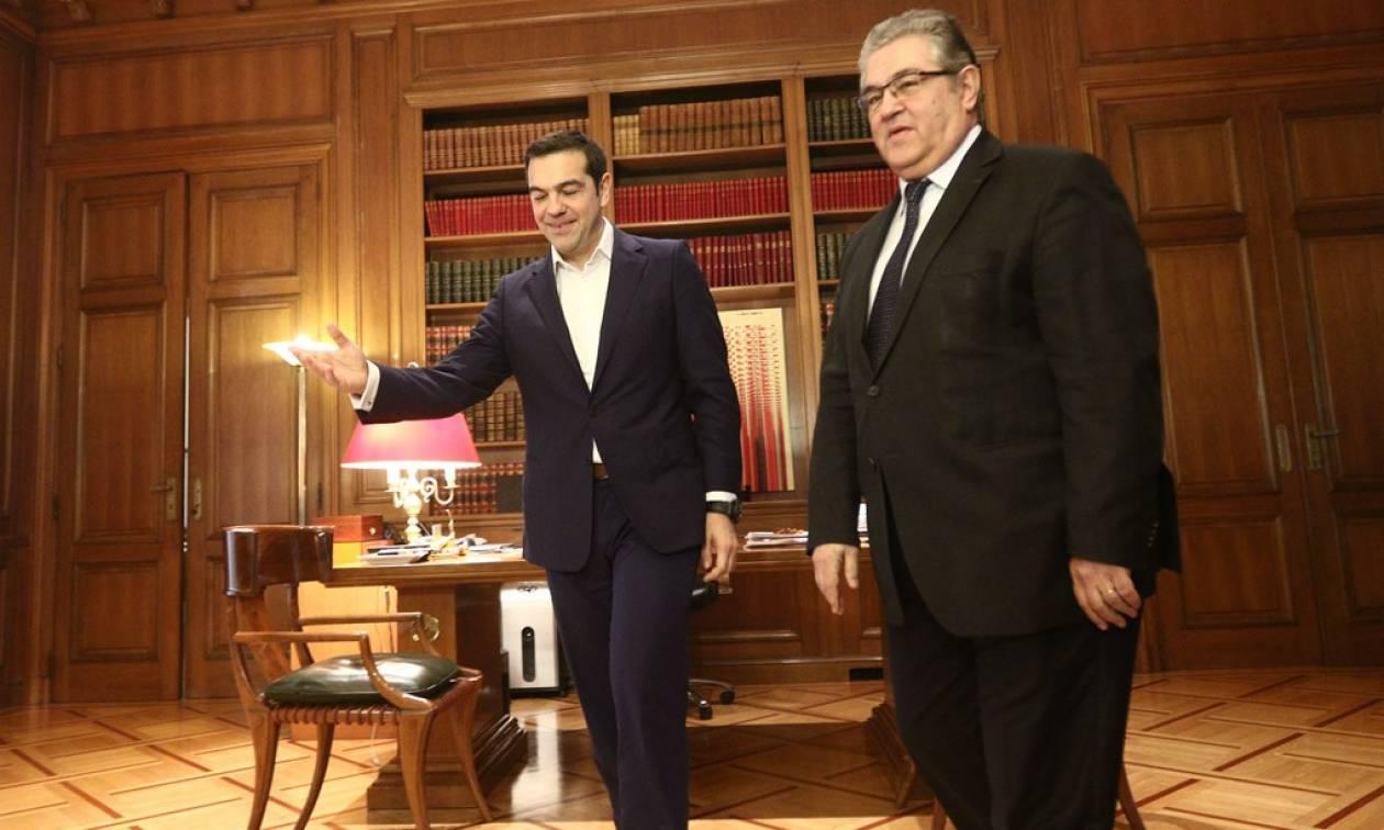 Ώρα των πολιτικών αρχηγών για το Σκοπιανό - Κουτσούμπας προς Τσίπρα: Κάλλιο αργά παρά ποτέ