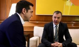 Θεοδωράκης για Σκοπιανό: Χάσαμε την ευκαιρία να μιλήσουμε το Σεπτέμβρη – Τσίπρας: Έχεις δίκιο