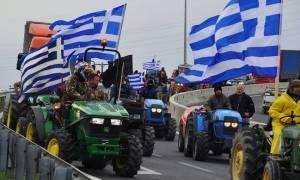 Μπλόκα αγροτών: Στους δρόμους τα τρακτέρ – Ποιοι κόμβοι έκλεισαν
