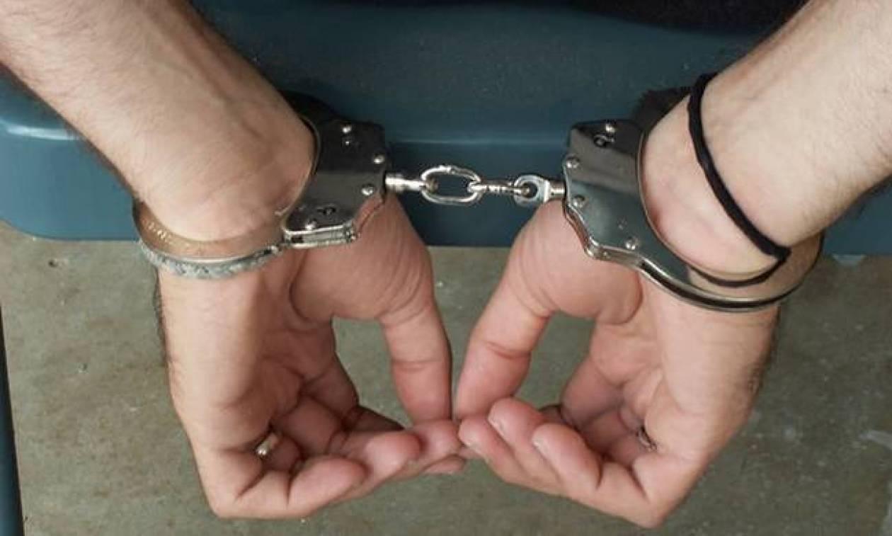 Δύο συλλήψεις για ναρκωτικά και προώθηση παράνομων μεταναστών