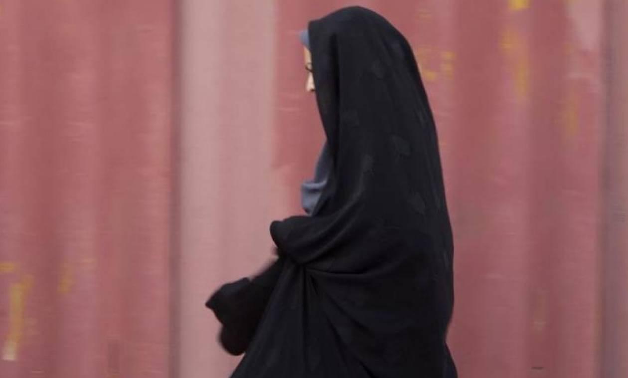 Ιράν: Ελεύθερη η γυναίκα που συνελήφθη επειδή δεν φορούσε μαντίλα