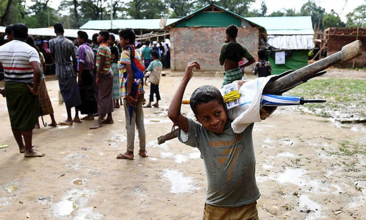 Μπαγκλαντές: Σε κίνδυνο περισσότεροι από 100.000 πρόσφυγες Ροχίνγκια από τη Μιανμάρ