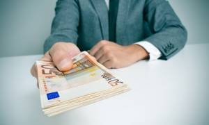 Είδηση - βόμβα! «Κούρεμα» έως και 90% σε δάνεια και πιστωτικές κάρτες - Ποιοι γλιτώνουν χρήματα