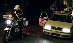 Πανικός στα Εξάρχεια: Αυτοκίνητο «εισέβαλε» σε... πολυκατοικία