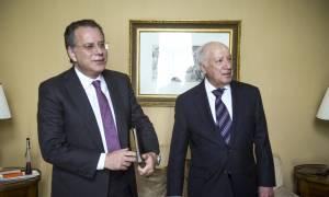 Κουμουτσάκος για Σκοπιανό: Η ενημέρωση από τον Νίμιτς δεν αμβλύνει την ανησυχία μας