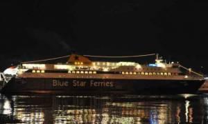 Θρίλερ στο Blue Star Naxos: Επιβάτης έπεσε στη θάλασσα ανοιχτά της Σύρου