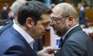 Handelsblatt: Ο Τσίπρας θέλει μεγάλο συνασπισμό και σοσιαλιστή υπουργό Οικονομικών