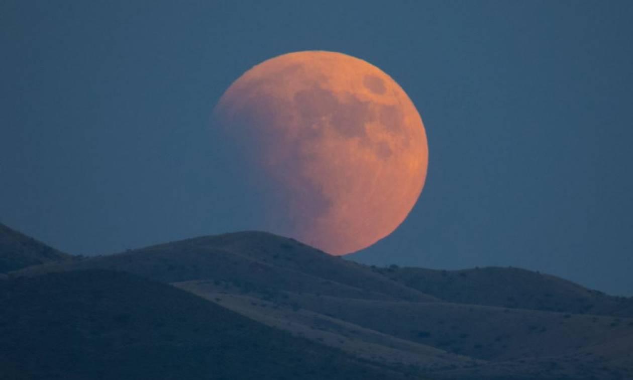 Ετοιμαστείτε: Έρχεται το Σούπερ Μπλε Ματωμένο Φεγγάρι έπειτα από 152 χρόνια (Vids)
