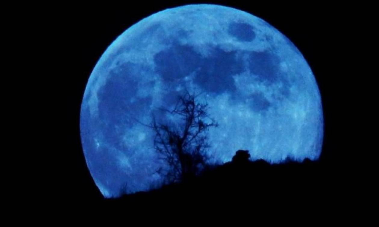 Μπλε πανσέληνος: Μύθοι και δεισιδαιμονίες για το ολόγιομο φεγγάρι