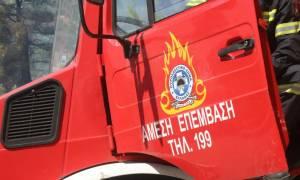 Φωτιά ΤΩΡΑ: Σε εξέλιξη μεγάλη πυρκαγιά σε κτήριο στη Νίκαια