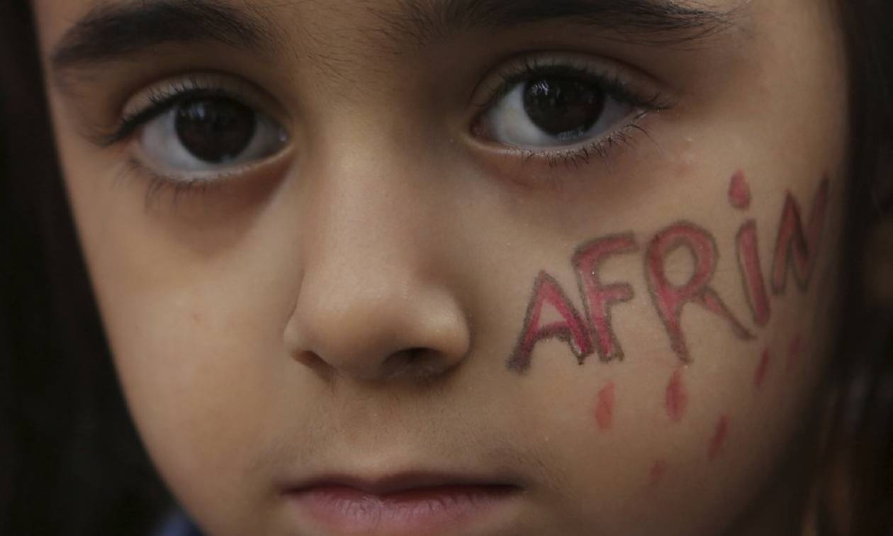 «Λουτρό αίματος» στην Αφρίν: Εκατοντάδες άμαχοι νεκροί από τις επιθέσεις των Τούρκων