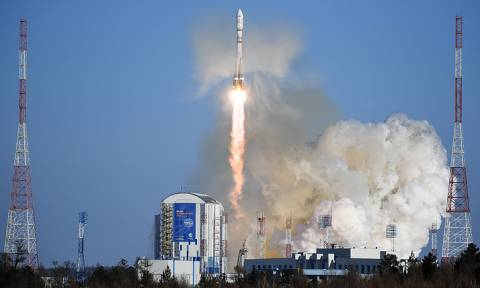 """Ракета """"Союз-2.1а"""" с 11 спутниками стартовала с космодрома Восточный"""