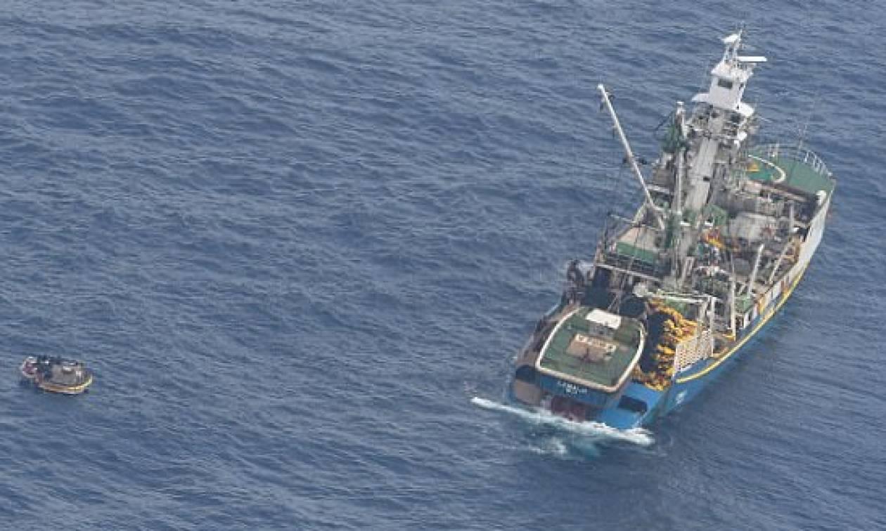 Ανείπωτη τραγωδία: Το Κιριμπάτι θρηνεί για το ναυάγιο πλοίου – Δεκάδες αγνοούμενοι (vid+pics)