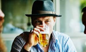 Έρευνα: Άσε τα χάπια και πιάσε μία μπύρα να γιάνεις