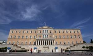 «Κόκκινος» συναγερμός στη Βουλή: Drone πέταξε γύρω από το κοινοβούλιο
