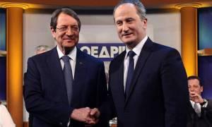 Εκλογές Κύπρος: Οι πρώτες αντιδράσεις στα επιτελεία Αναστασιάδη - Μαλά μετά τα exit polls