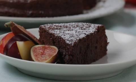 Κέικ σοκολάτας, μόνο με 2 υλικά!