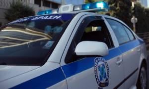 Συναγερμός στην Αμαλιάδα: Εμπρηστικοί μηχανισμοί και κράνη σε οικόπεδο