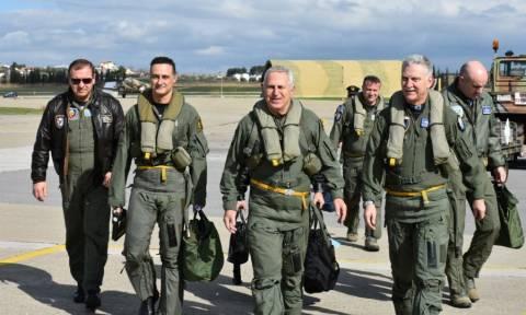 Πτήση - «μήνυμα» προς την Τουρκία: Οι Αρχηγοί ΓΕΕΘΑ και ΓΕΑ πέταξαν πάνω από τα Ίμια (vid)