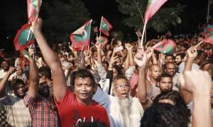 Μαλδίβες: Σε κατάσταση έκτακτης ανάγκης η νησιωτική χώρα